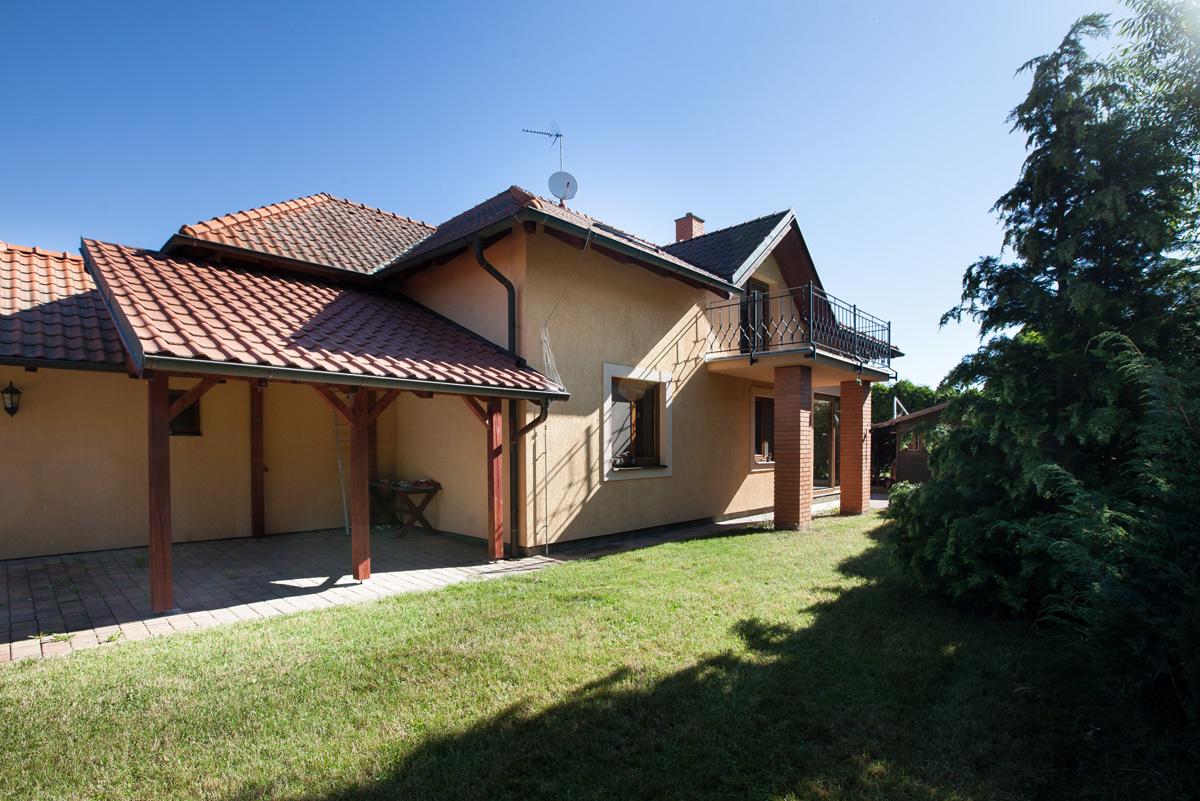 Prodej RD 7+1, dvougenerační, celková plocha 437 m2, bazén, garáž, Libeř
